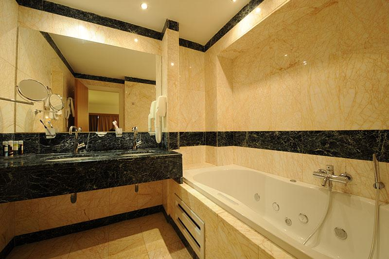 superior deluxe bathroom